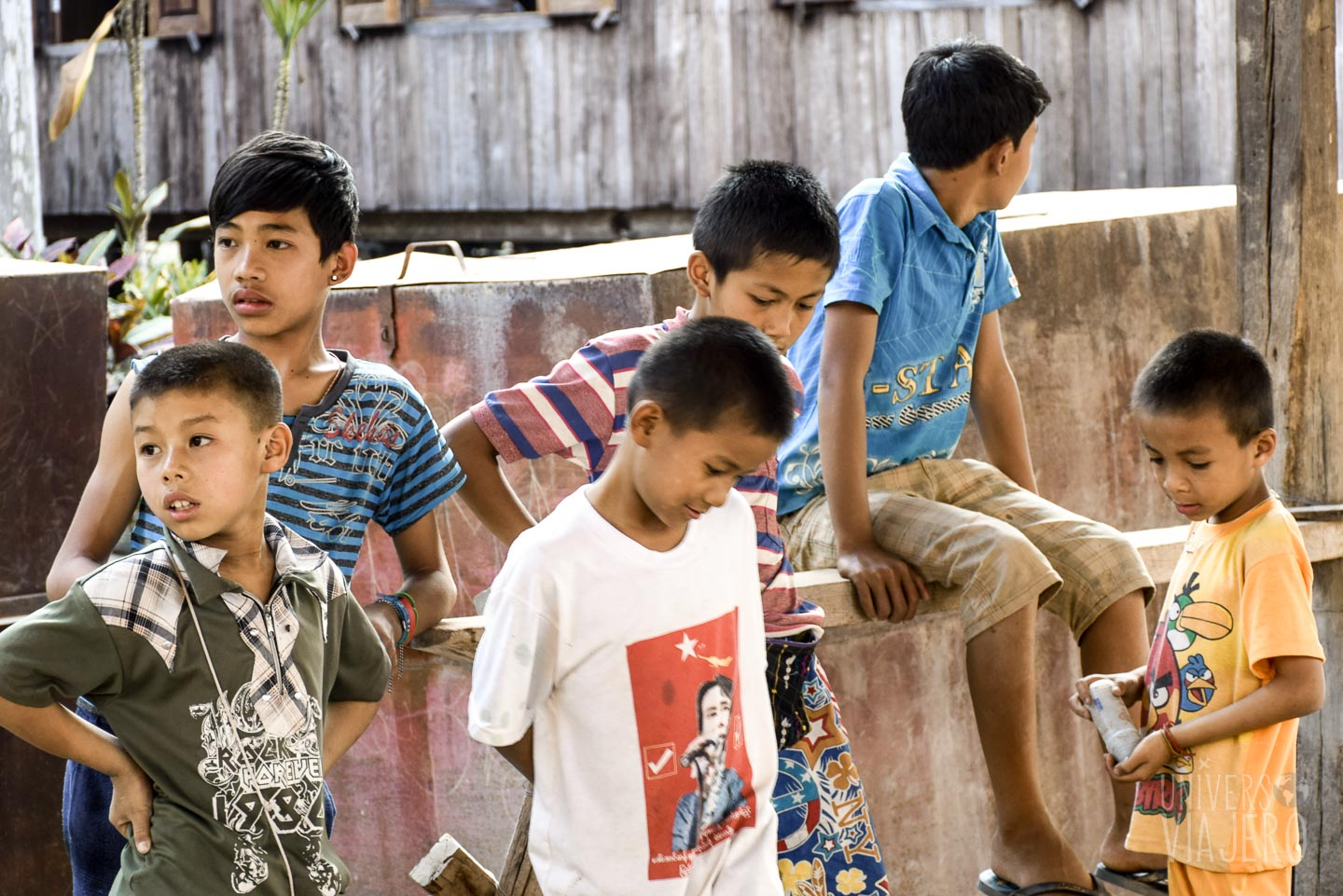 Kids in Inle Lake, Myanmar